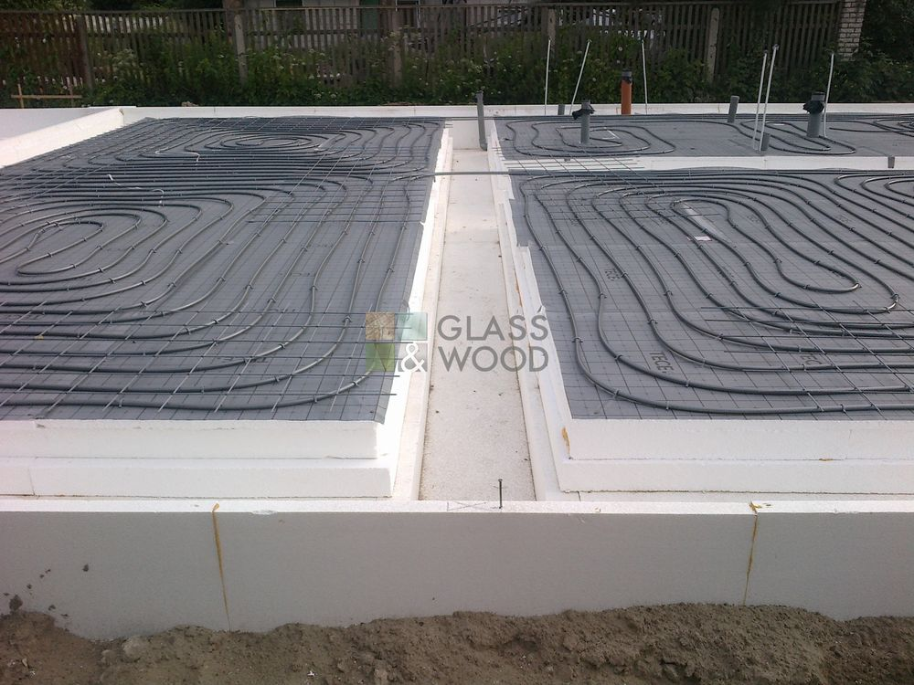 Monolithic concrete foundations