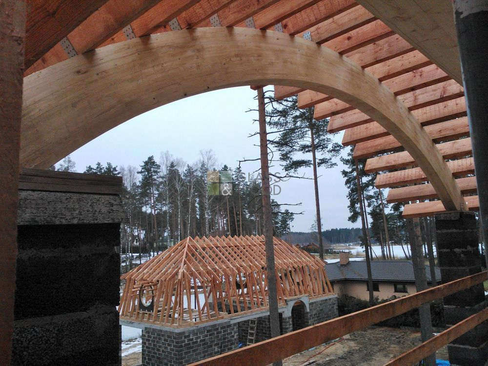Curved wooden constructions