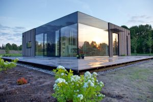 Modular house with glazed facades