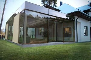 Glasing house design